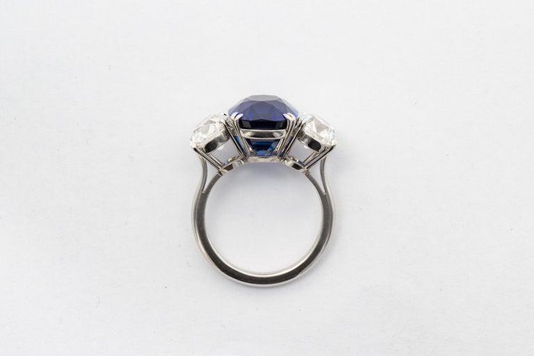Modern 10.88 Carat Jewel of Kashmir Sapphire and Diamond Three Stone Ring For Sale