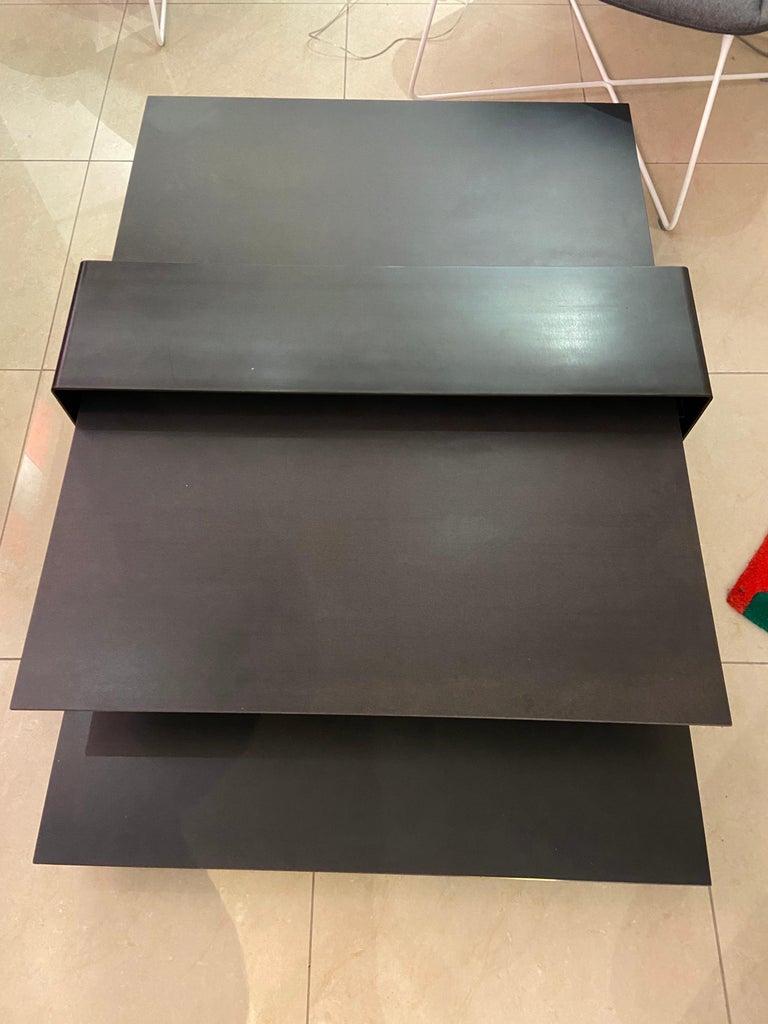 10surdix and Marion Steinmetz, ceramic coffee table Triss design, circa 2019  Solid ceramic, steel base,