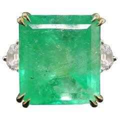 11 Carat Natural Colombian Emerald Halfmoon Diamond Platinum 18 Carat Ring