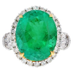 11 Carat Oval Cut Colombian Emerald and Diamond Ring in 18k Solid White Gold