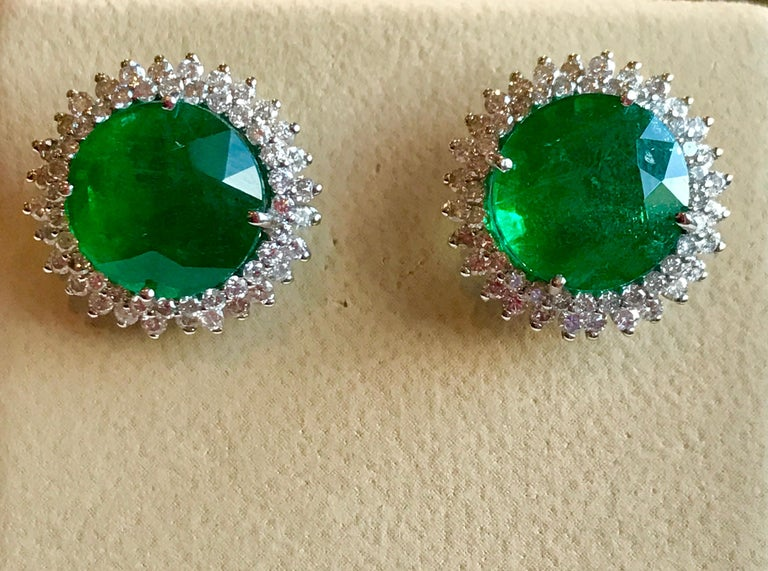 11 Carat Round Emerald and Diamond Stud Earrings 14 Karat White Gold In Excellent Condition For Sale In Scarsdale, NY