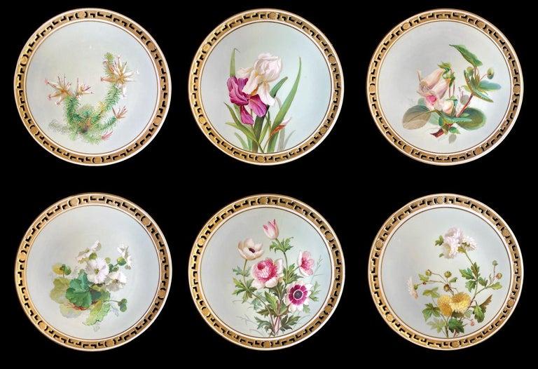 Gilt 11 Dinner Plates Flowers and Gold, Minton Porcelain, 1874-1884 For Sale