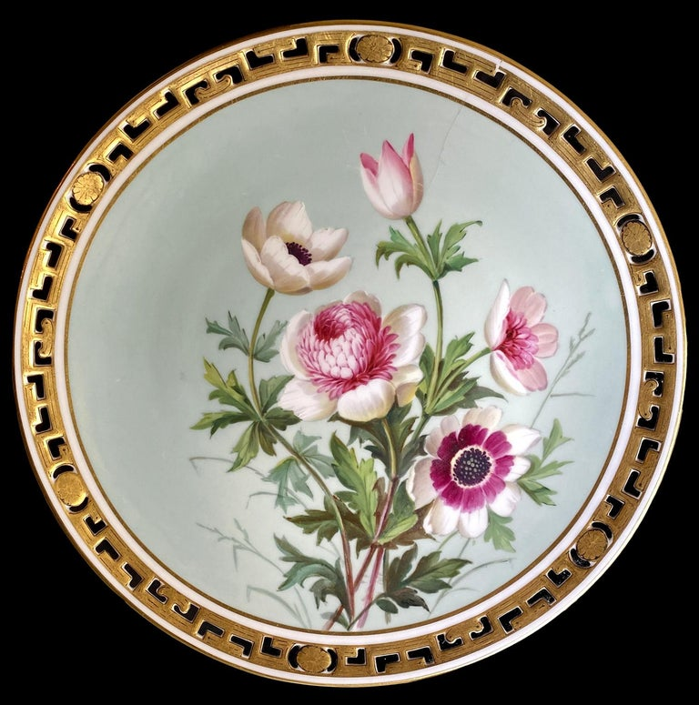 11 Dinner Plates Flowers and Gold, Minton Porcelain, 1874-1884 In Good Condition For Sale In Paris, FR