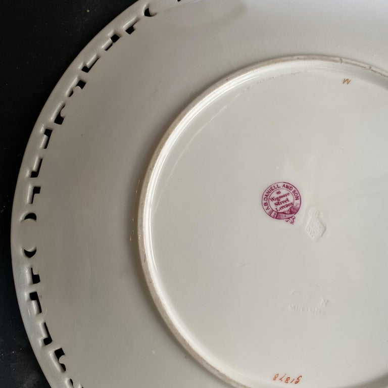 11 Dinner Plates Flowers and Gold, Minton Porcelain, 1874-1884 For Sale 1