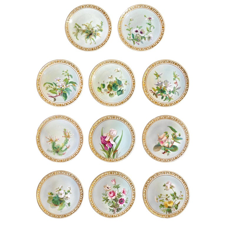 11 Dinner Plates Flowers and Gold, Minton Porcelain, 1874-1884 For Sale