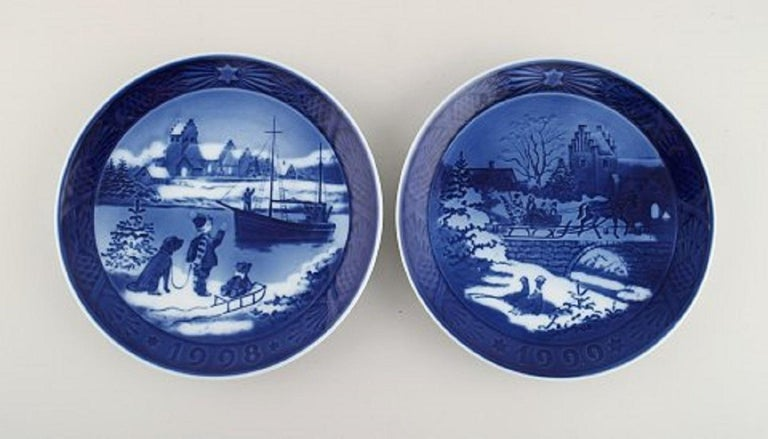 Hand-Painted 11 Royal Copenhagen Christmas Plates from 1990-2000 For Sale