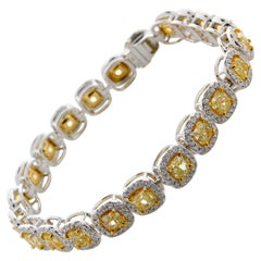 11.01 Carat Cushion Cut Fancy Yellow VS2 Diamond Tennis Bracelet 18 Karat Gold