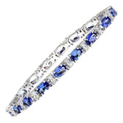 11.10 Carat Natural Tanzanite 18 Karat Solid White Gold Diamond Bracelet