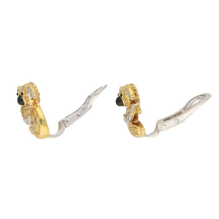 1.12 Carat Koala Bear Diamond, Fancy Intense Yellow Diamond, Onyx Clip Earrings In Excellent Condition For Sale In London, GB