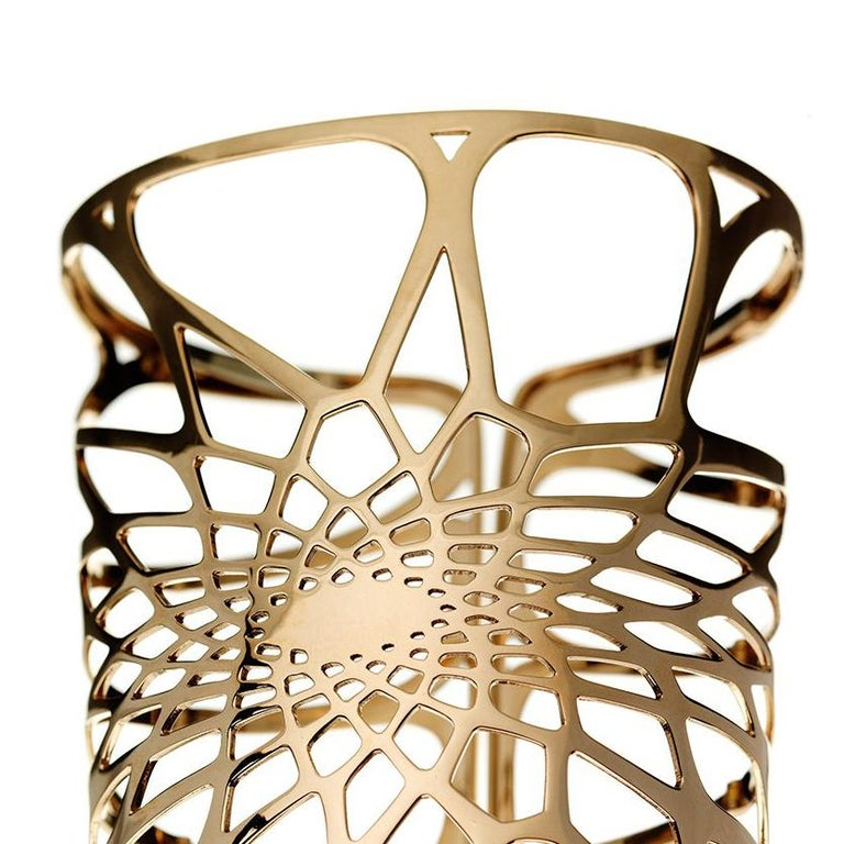 Designed for The House of Aziz & Walid Mouzannar 18 Karat Pink Gold 11 cm Unlimited Courtesy of Zaha Hadid Architects