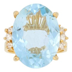 11.25 Carat Oval Cut Aquamarine and Diamond Ring, 14 Karat Yellow Gold Women's