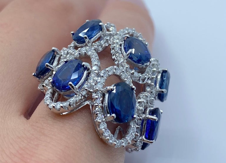 11.26 Carat Natural Blue Sapphire and Diamond White Gold Cocktail Ring In Excellent Condition For Sale In Tustin, CA