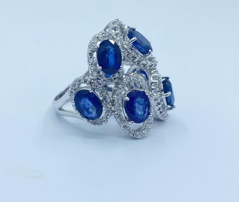 Women's 11.26 Carat Natural Blue Sapphire and Diamond White Gold Cocktail Ring For Sale