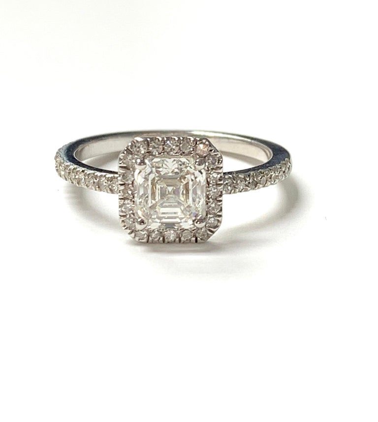 1.13 Carat Emerald Cut Diamond Ring in 18K White Gold For Sale 7