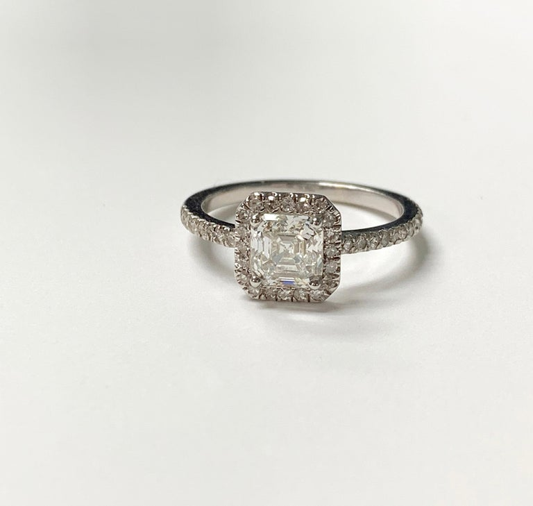 1.13 Carat Emerald Cut Diamond Ring in 18K White Gold For Sale 3