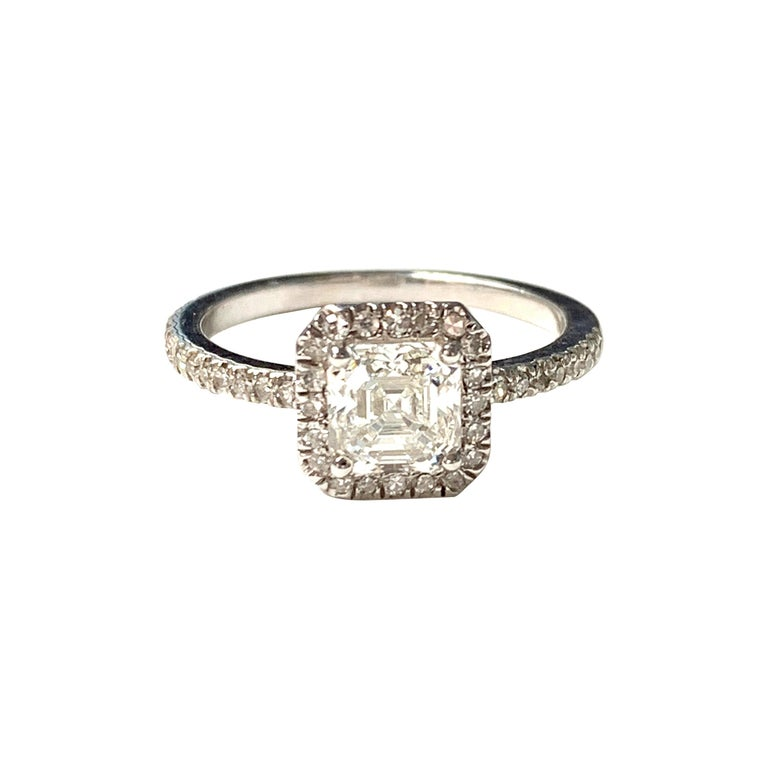 1.13 Carat Emerald Cut Diamond Ring in 18K White Gold For Sale