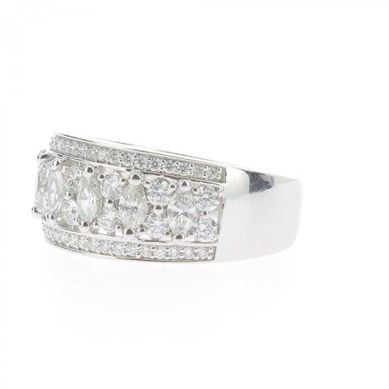 Contemporary 1.15 Carat Marquise or Round Lace Ring 18 Karat Gold Fashion Ring Cocktail Ring For Sale