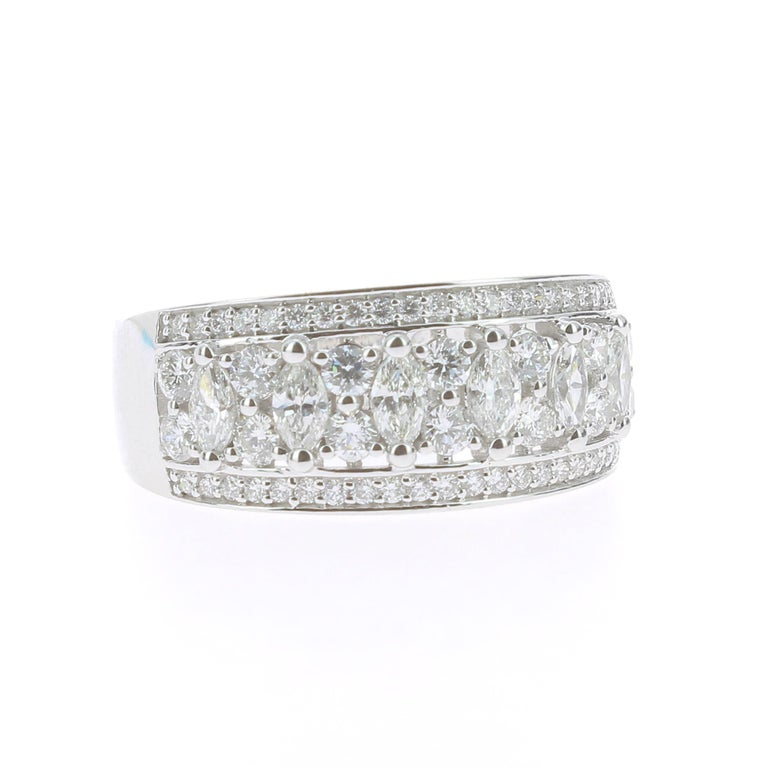 Marquise Cut 1.15 Carat Marquise or Round Lace Ring 18 Karat Gold Fashion Ring Cocktail Ring For Sale