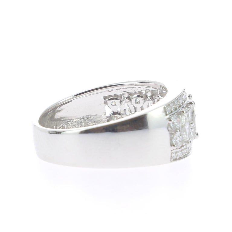 Women's or Men's 1.15 Carat Marquise or Round Lace Ring 18 Karat Gold Fashion Ring Cocktail Ring For Sale