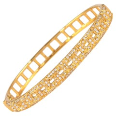 1.16 Carat Diamond Bengal 18 Karat Yellow Gold Open Clasp