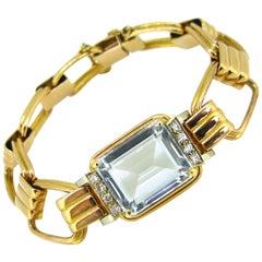 11.70 Carat Aquamarine Diamonds Yellow Gold Fashion Retro Bracelet
