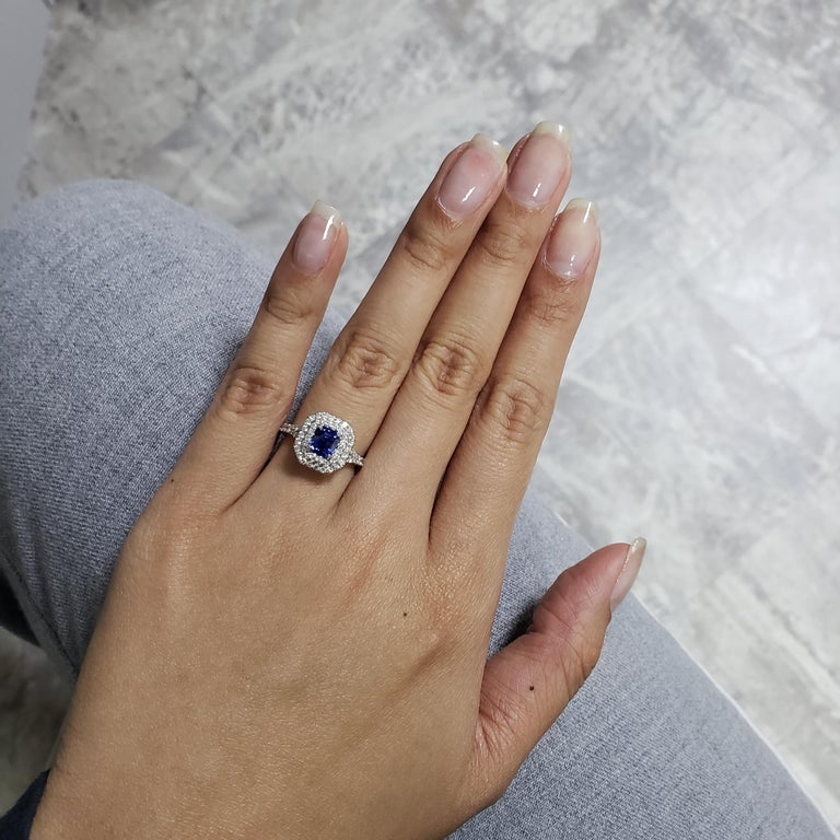 1.18 Carat Blue Sapphire and Diamond Halo Ring In New Condition For Sale In New York, NY