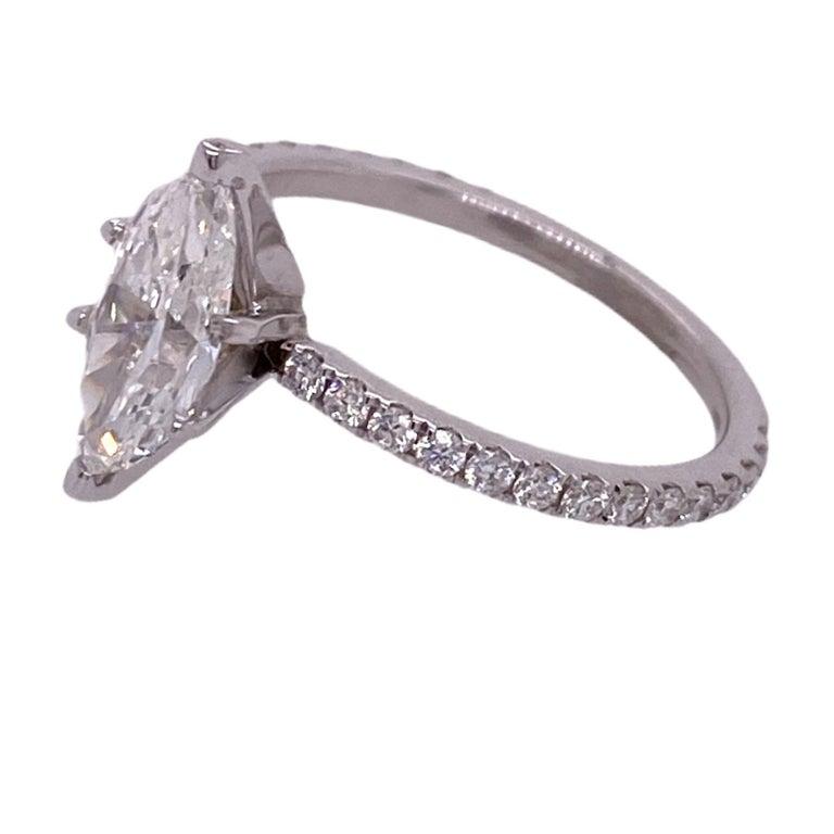 Modern 1.18 Carat Marquise Diamond Engagement Ring GIA G/VVS1 18 Karat White Gold For Sale