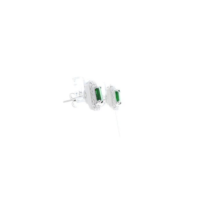 Contemporary 1.18 Carat Total Emerald Cut Green Tsavorite and Diamond Stud Earring For Sale