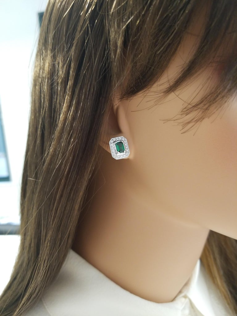 1.18 Carat Total Emerald Cut Green Tsavorite and Diamond Stud Earring For Sale 1