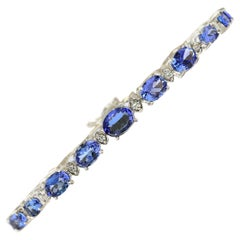 11.80 Carat Natural Tanzanite 18 Karat White Gold Diamond Bracelet