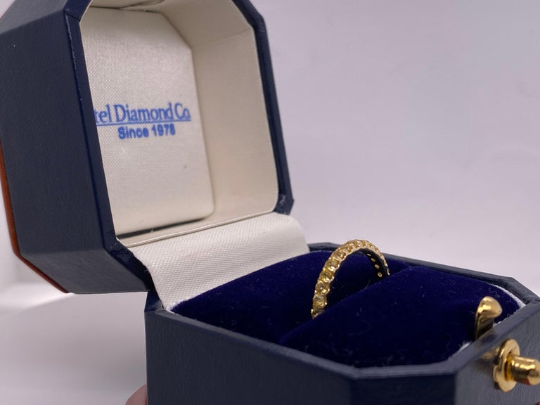 1.18 Carat Round Yellow Natural Sapphires in 14 Karat Yellow Gold For Sale 1