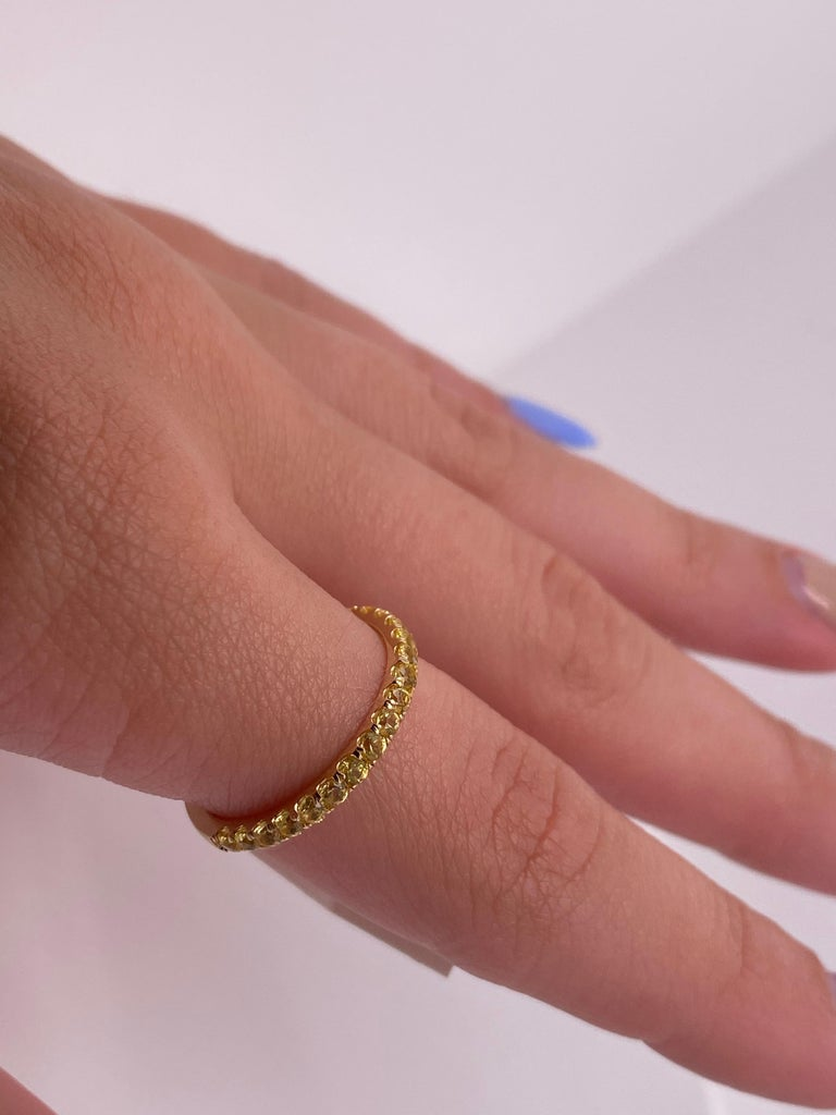 1.18 Carat Round Yellow Natural Sapphires in 14 Karat Yellow Gold For Sale 2