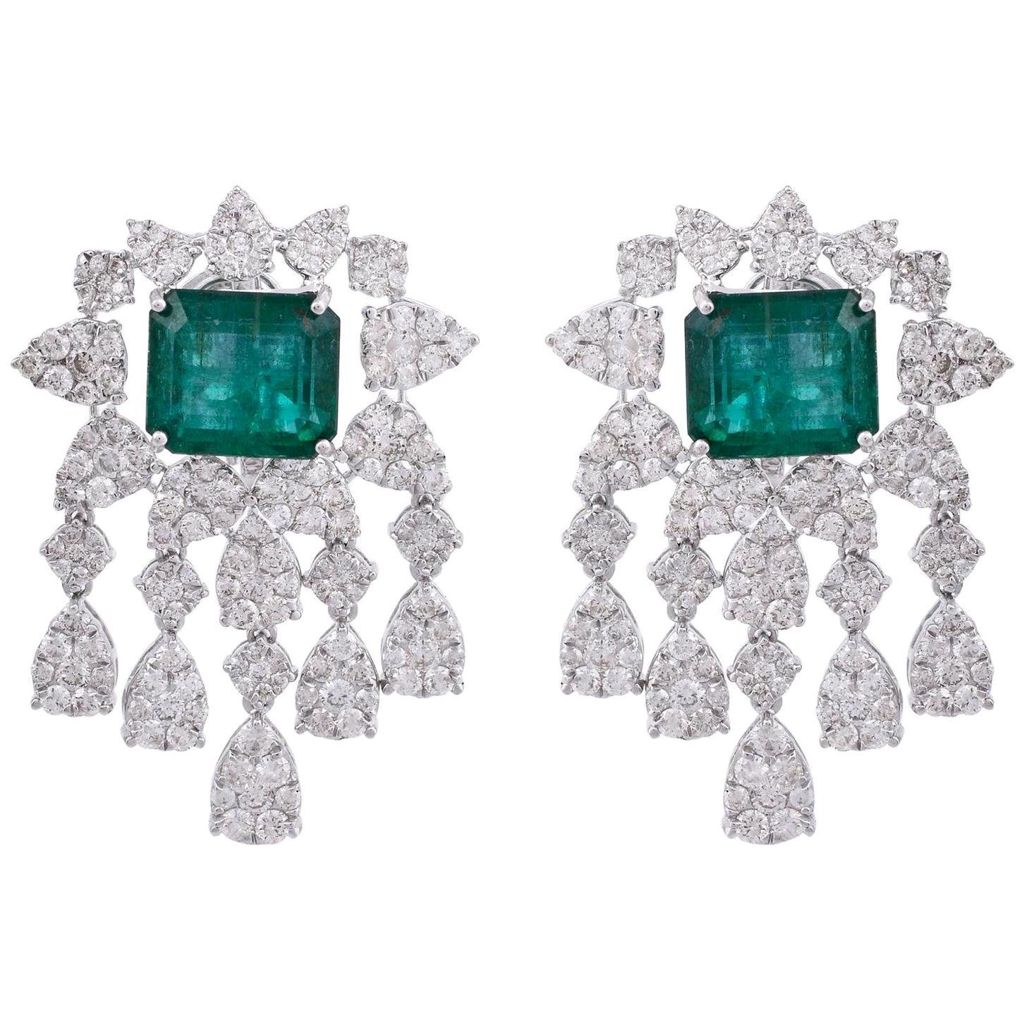 11.90 Carat Emerald Diamond 18 Karat Gold Chandelier Earrings