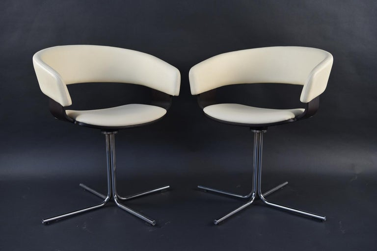 12 Allermuir Mollie Swivel Leather and Chrome Chairs For Sale 2