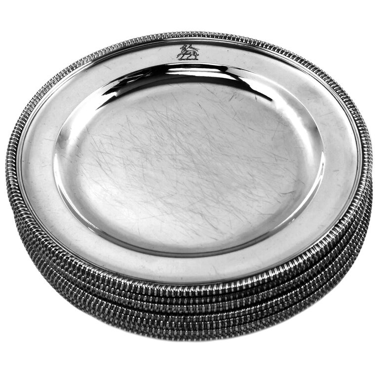 Georgian 12 Antique George III Sterling Silver Dinner Plates 1798 Gadroon, 18th Century For Sale