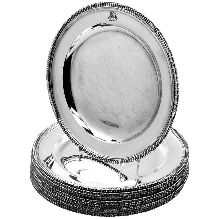 12 Antique George III Sterling Silver Dinner Plates 1798 Gadroon, 18th Century For Sale
