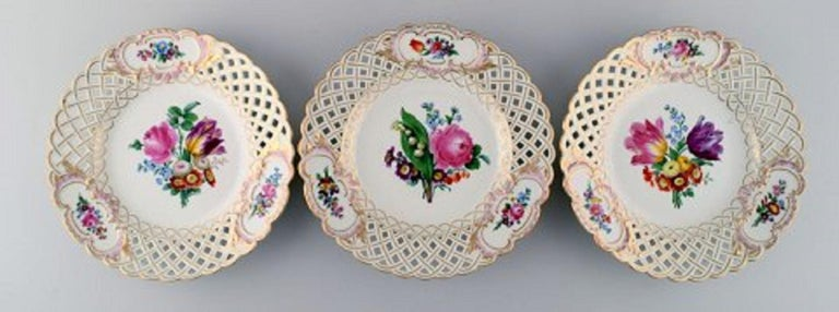 Hand-Painted 12 Antique Meissen Openwork Plates in Hand Painted Porcelain, circa 1900 For Sale