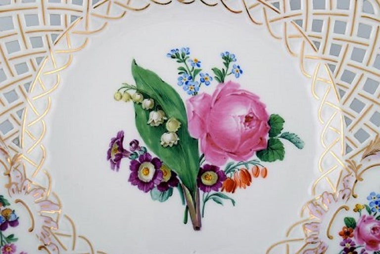 Early 20th Century 12 Antique Meissen Openwork Plates in Hand Painted Porcelain, circa 1900 For Sale