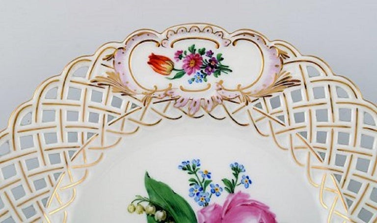 12 Antique Meissen Openwork Plates in Hand Painted Porcelain, circa 1900 For Sale 1