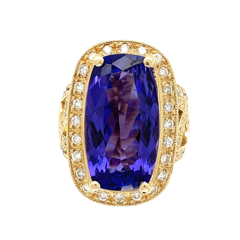 12 Carat Cushion Tanzanite and Diamond Gold Cocktail Ring Estate Fine Jewelry For Sale 3
