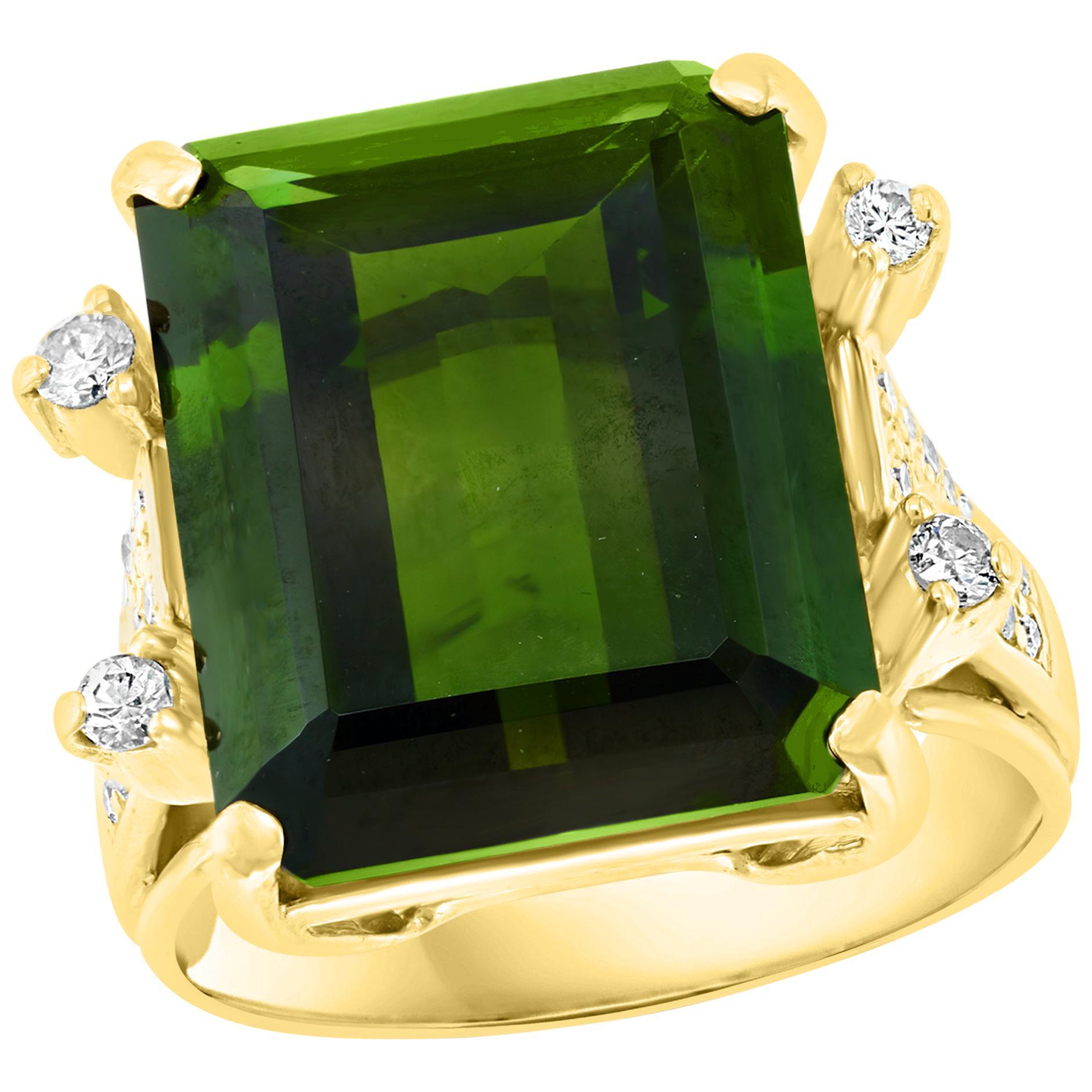 12 + Carat Green Tourmaline and 0.50 Ct Diamond Cocktail Ring 18K Yellow Gold