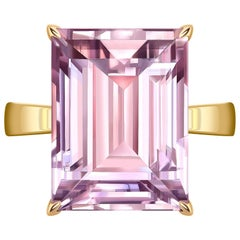 12 Carat Natural Amethyst Rose de France 14 Karat Rose Gold Cocktail Ring
