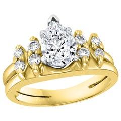 1.0 Carat Pear Shape Center Diamond Engagement 14 Karat Yellow Gold Ring
