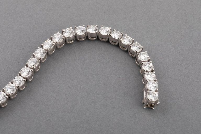 12 Carats Diamonds French Tennis Bracelet For Sale 2