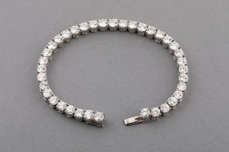 12 Carats Diamonds French Tennis Bracelet For Sale 3