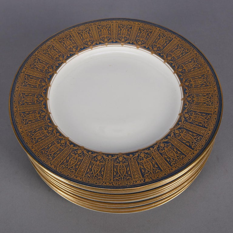 12 English Ovington Bros. Gilt Porcelain Dinner Plates by Royal Worcester In Good Condition For Sale In Big Flats, NY