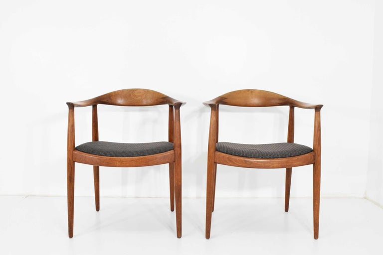 12 Hans Wegner Round Chairs For Sale 3