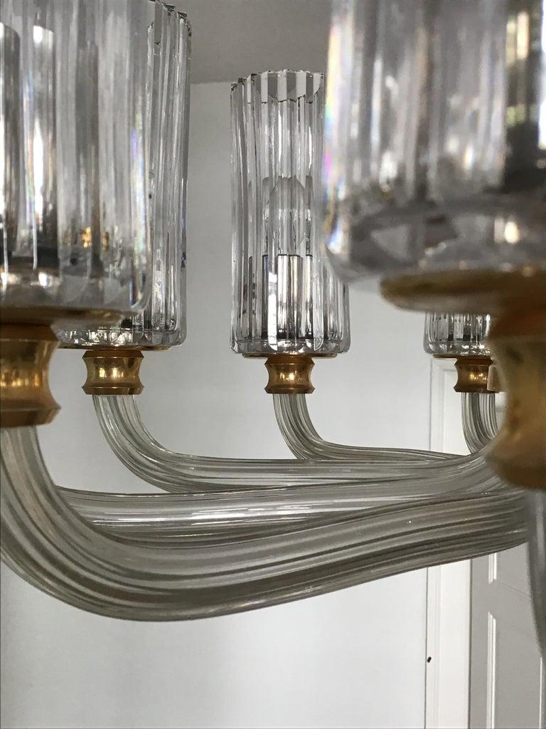12-Light Italian Glass and Gilt Brass Chandelier, circa 1980s For Sale 4