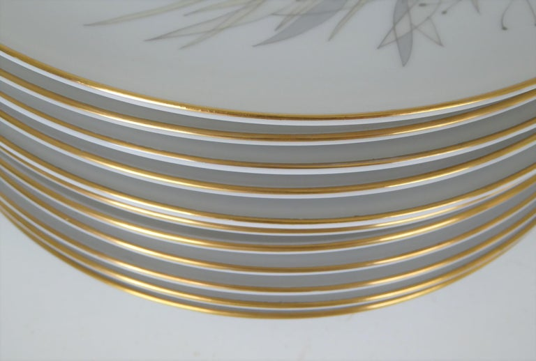 12 Raymond Loewy Mid-Century Modern Rosenthal Form 2000 Dinner Plates Grasses In Good Condition For Sale In Miami, FL
