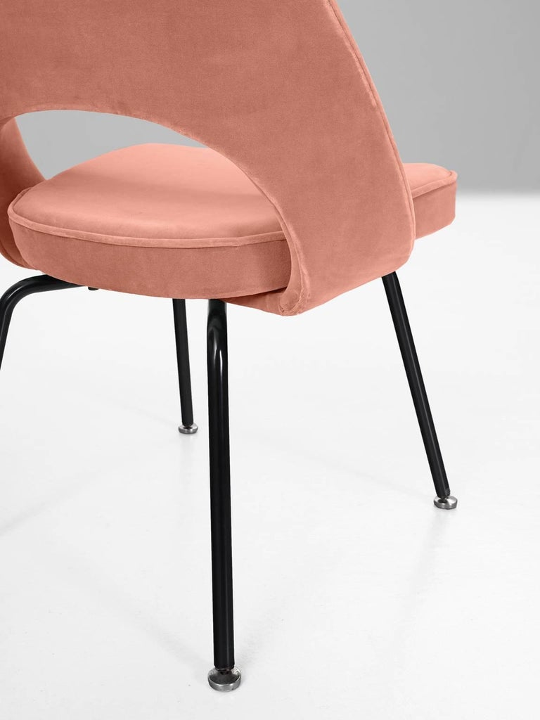 Mid-20th Century 12 Reupholstered Chairs by Eero Saarinen for Knoll International For Sale